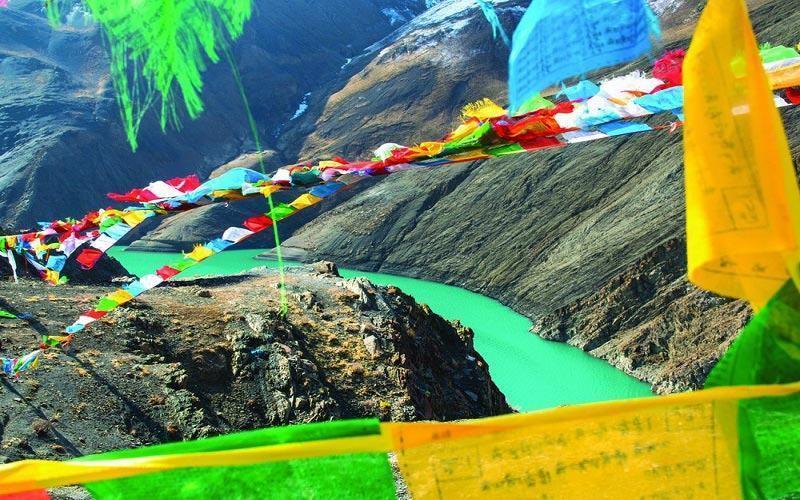 Tây Tạng – Vùng Đất Huyền Bí Và Đầy Mê Hoặc
