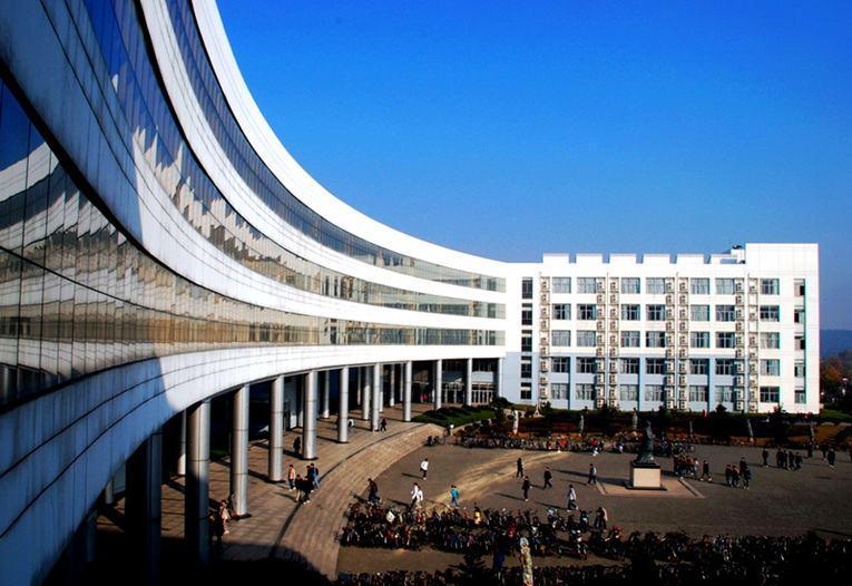 Bảng xếp hạng 10 trường đại học có diện tích lớn nhất Trung Quốc 1