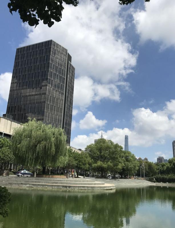 Tân Thiên Dịa Khách Sạn 2021